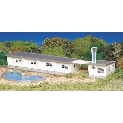 Motel with Pool (HO Scale)